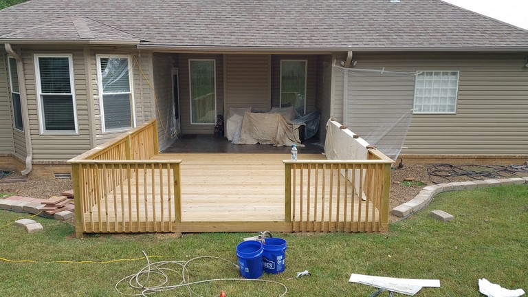 Custom deck fayetteville Contractor