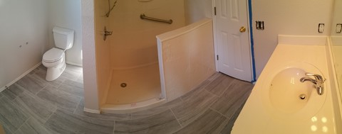 Bathroom remodeling contractor in Lowell Arkansas