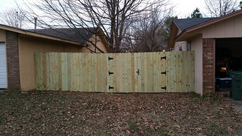 Wood Fence Contractor Fayetteville Arkansas