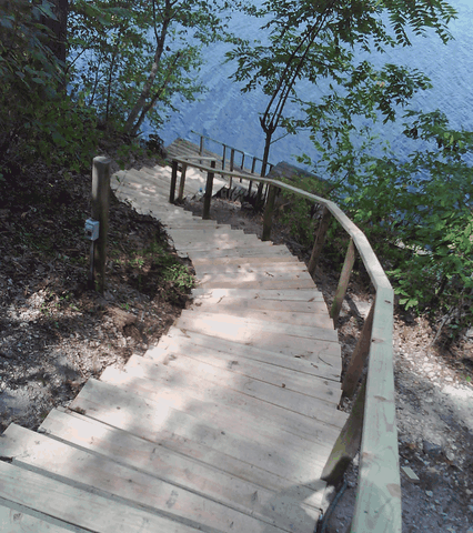 Deck Steps down to lake. Bella Vista, Arkansas