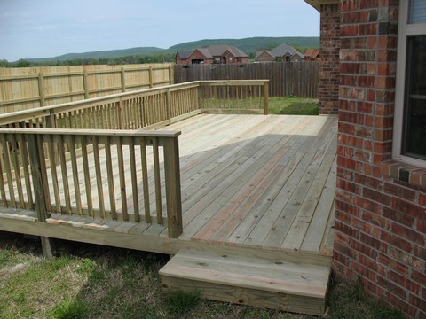 Leeroy Crossland Deck contractor